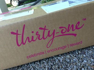 thirty-one box StuffedSuitcase.com road trip travel bag