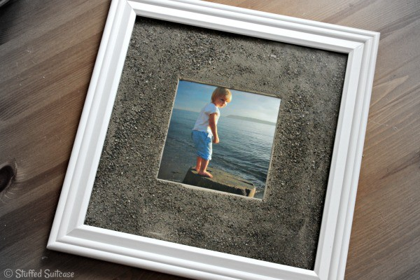 DIY Beach Sand Photo Frames - display your family beach photos StuffedSuitcase.com travel