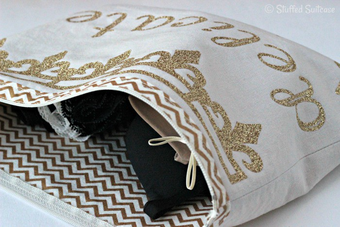 Keep your delicates separated and private with this diy lingerie travel bag | StuffedSuitcase.com