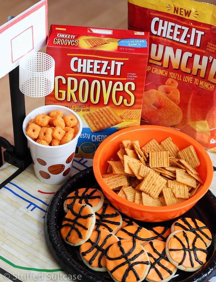 Snacks and a fun game perfect for March tournament bracket basketball party