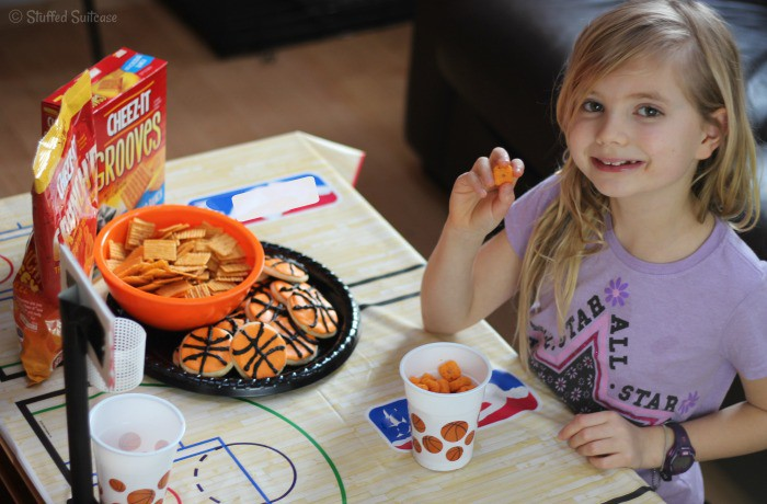 Ready to shoot some hoops with Cheez-It Crunch'd and our DIY Tabletop Basketball Hoop