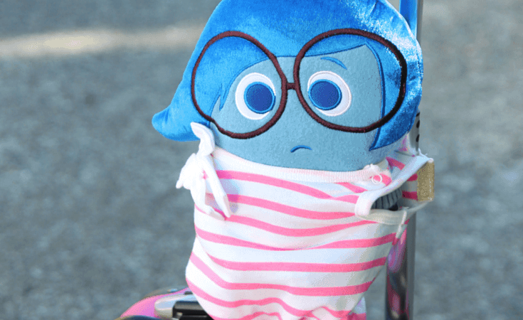 Create a cute travel carrier for your kids to bring along their cuddly friends on your family vacation. This is a simple DIY project that will help prevent forgotten stuffed animals and friends during your trip.