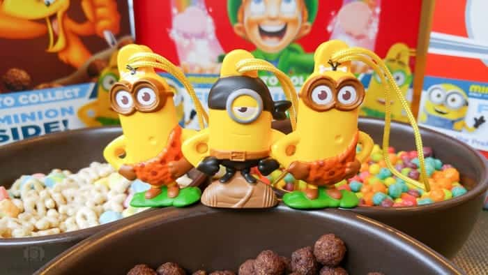 Minion-Cereal-Box-Toys-3