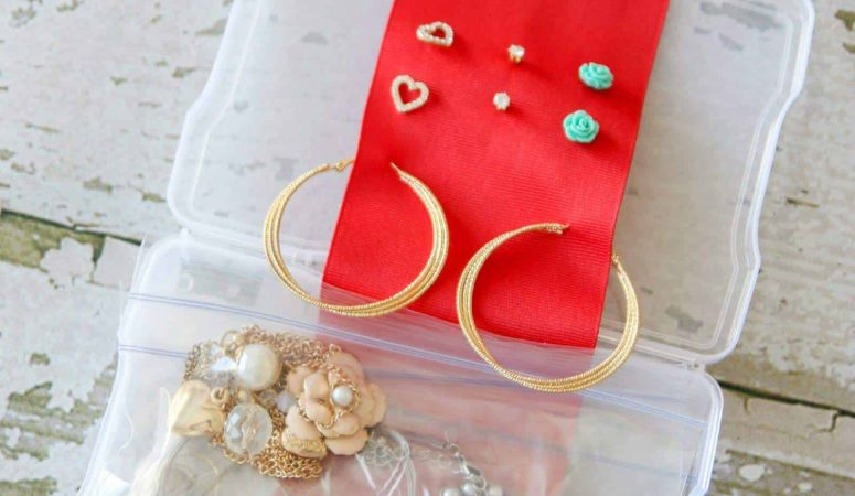 How to Pack Jewelry :: A to Z Packing Tips