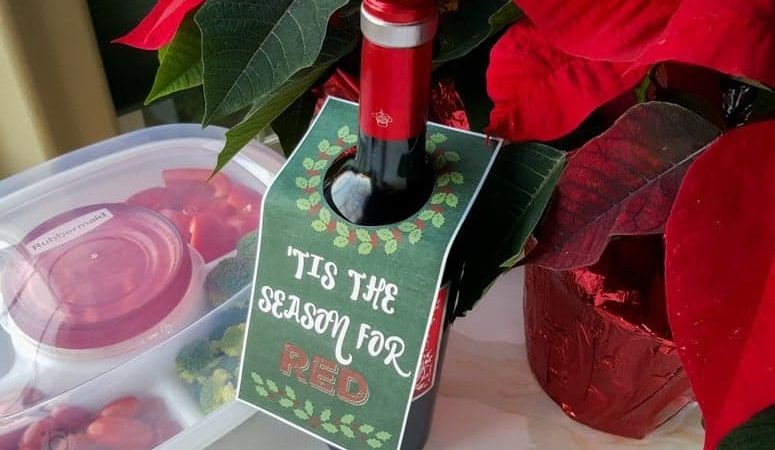 Holiday Hostess Gift Wine Tag Printable + Attendee Tips