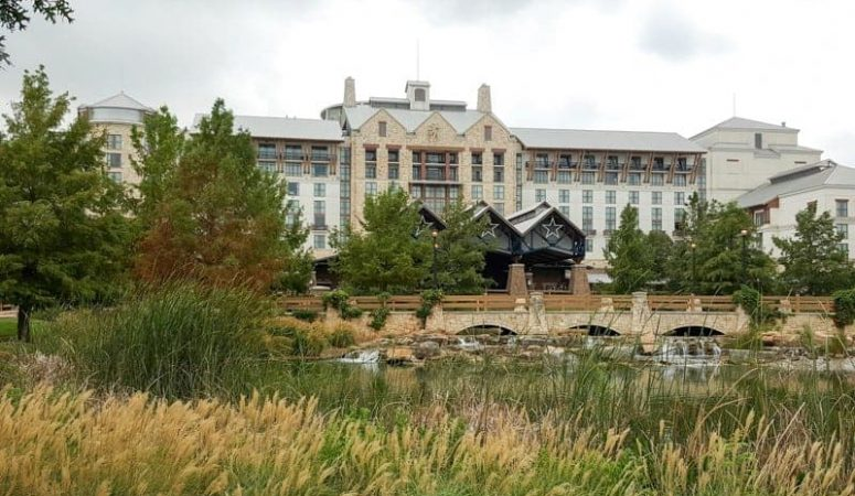 Gaylord Texan Resort Hotel in Grapevine, Texas copyright Stuffed Suitcase