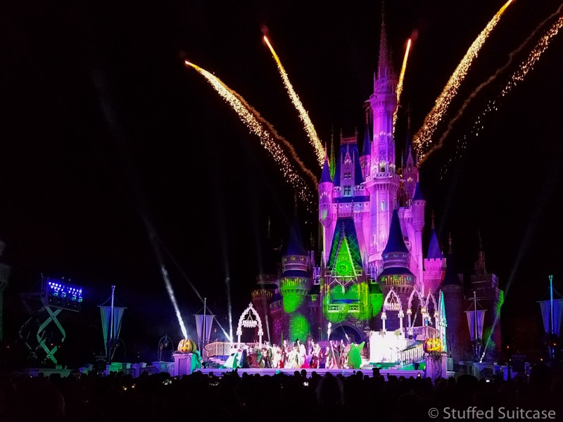 Hocus Pocus stage show in front of the castle for Mickey's Not So Scary Halloween Party at Walt Disney World | copyright Stuffed Suitcase