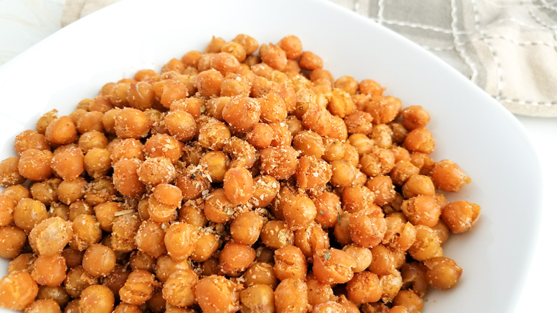 Easy snack to make roasted garbanzo beans / chickpeas