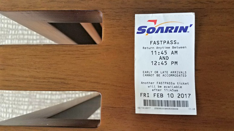 My best Disneyland fastpass tips | © Stuffed Suitcase