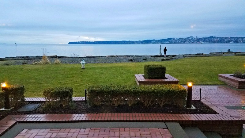 Waterfront lower-level room at Semiahmoo Resort | © Stuffed Suitcase