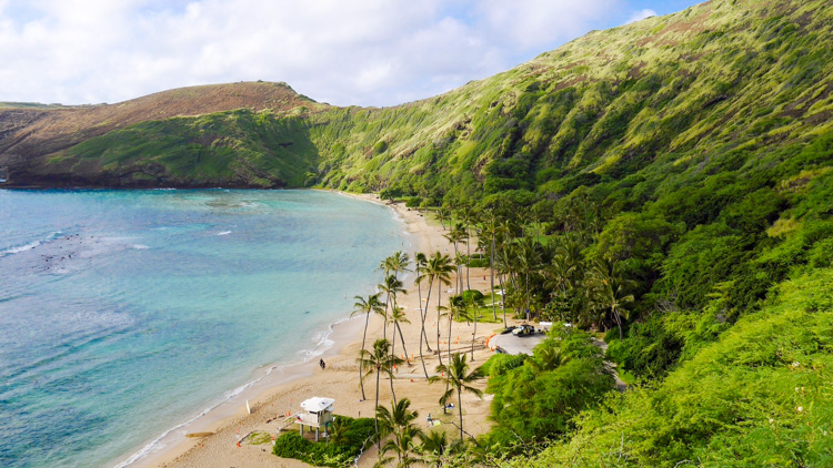 Hanaumu Bay is the perfect spot to snorkel, one of my must do things to do in Oahu