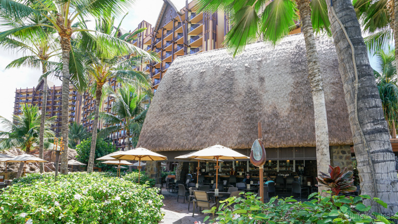 casual dining at off the hook at disney aulani