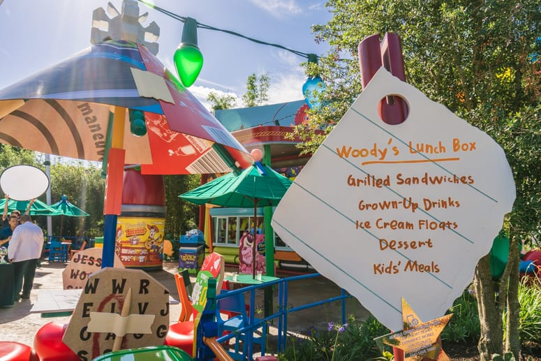 woodys lunch box food spot in toy story land wdw