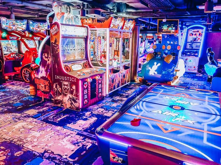 arcade on norwegian bliss