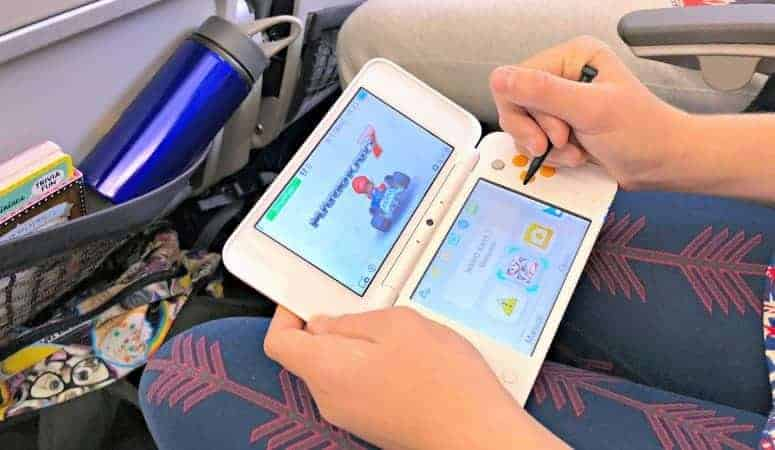 nintendo 2ds xl on plane