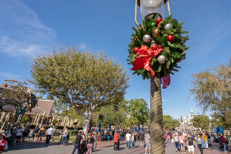 disneyland main street christmas wreath