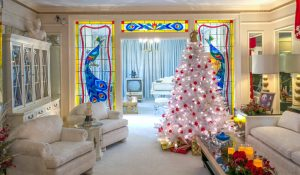 christmas decorations at graceland
