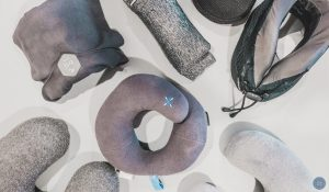 reviewing the best travel pillow for long flights