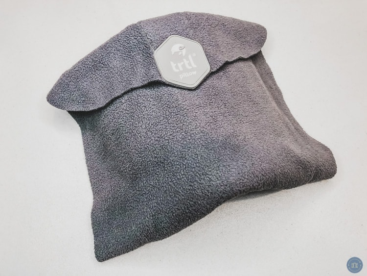 trtl travel neck pillow review