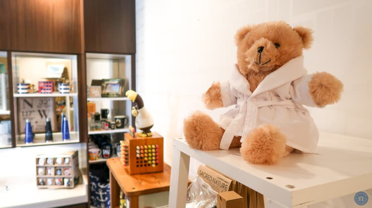 spa bear at gift shop at kona kai
