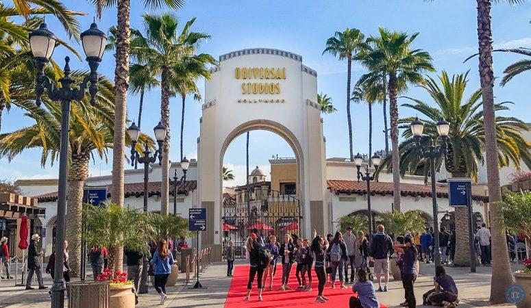 universal studios hollywood main entrance