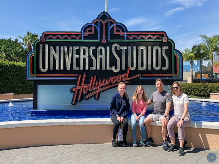 univeral studios hollywood sign at exit