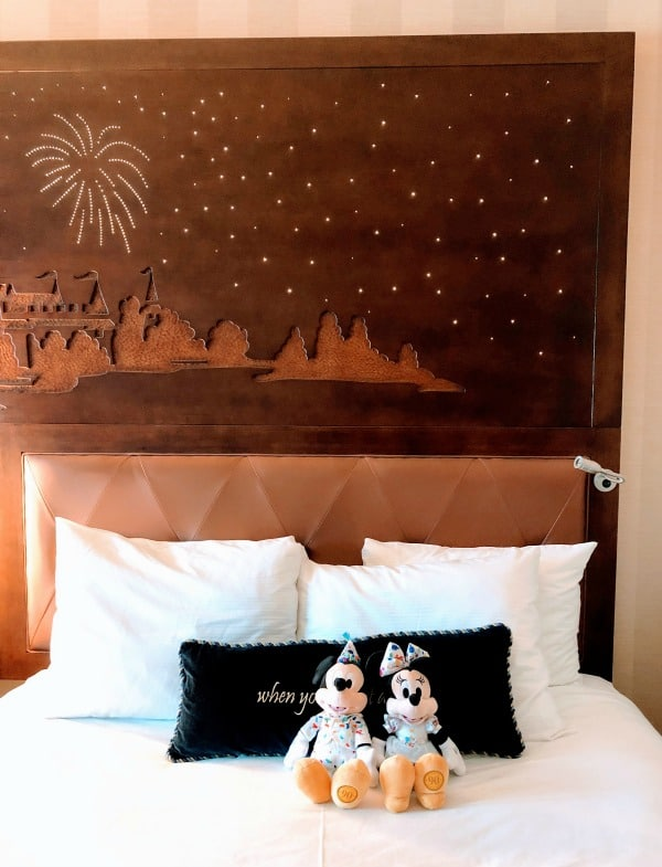 disneyland hotel room headboard