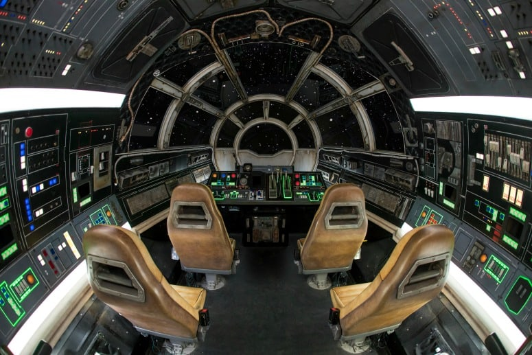 millennium falcon ride in star wars galaxy edge