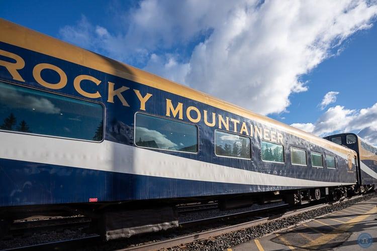 rocky mountaineer silver leaf train car