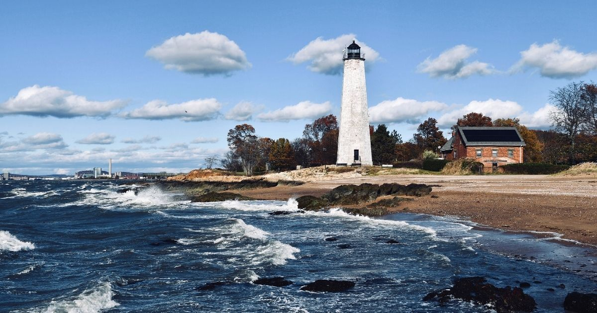 new haven lighthouse photo credit canva