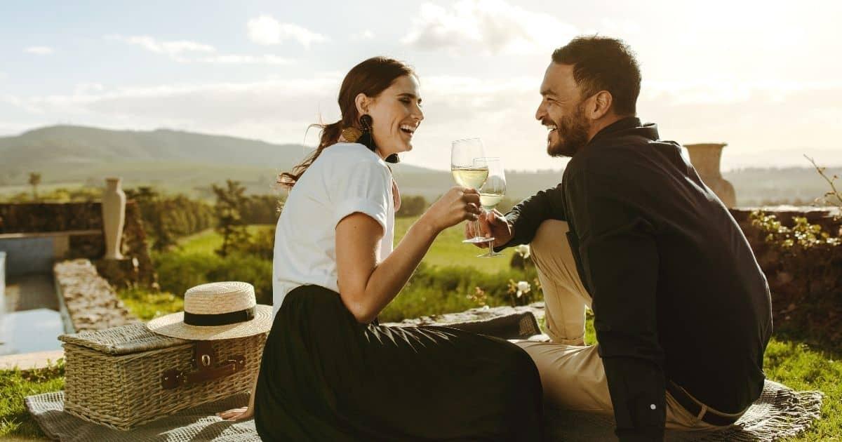 couple on romantic picnic