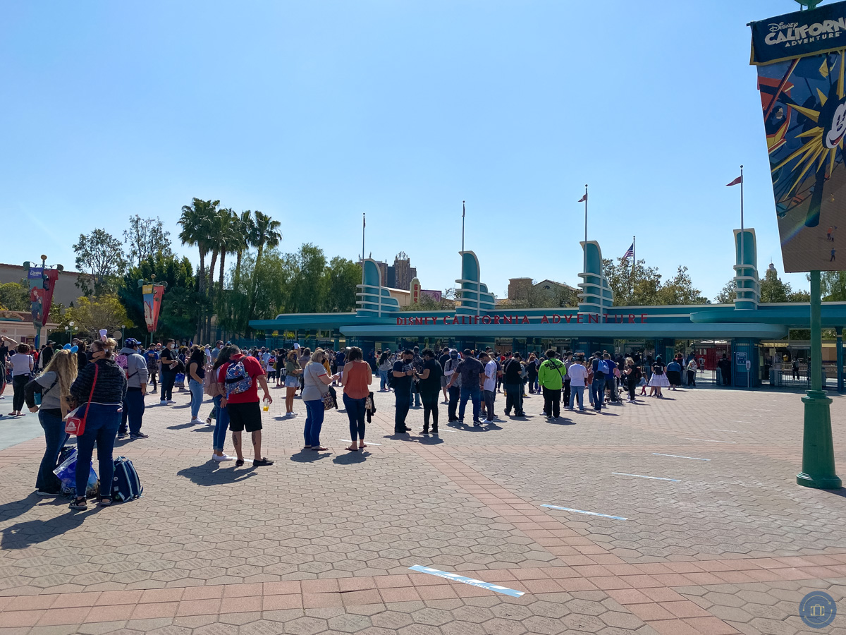 lines waiting to enter disney california adventure for touch of disney event