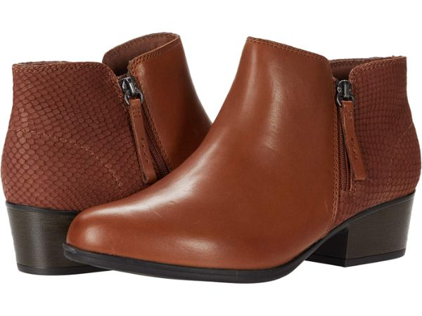 clarks brown comfortable ankle boot
