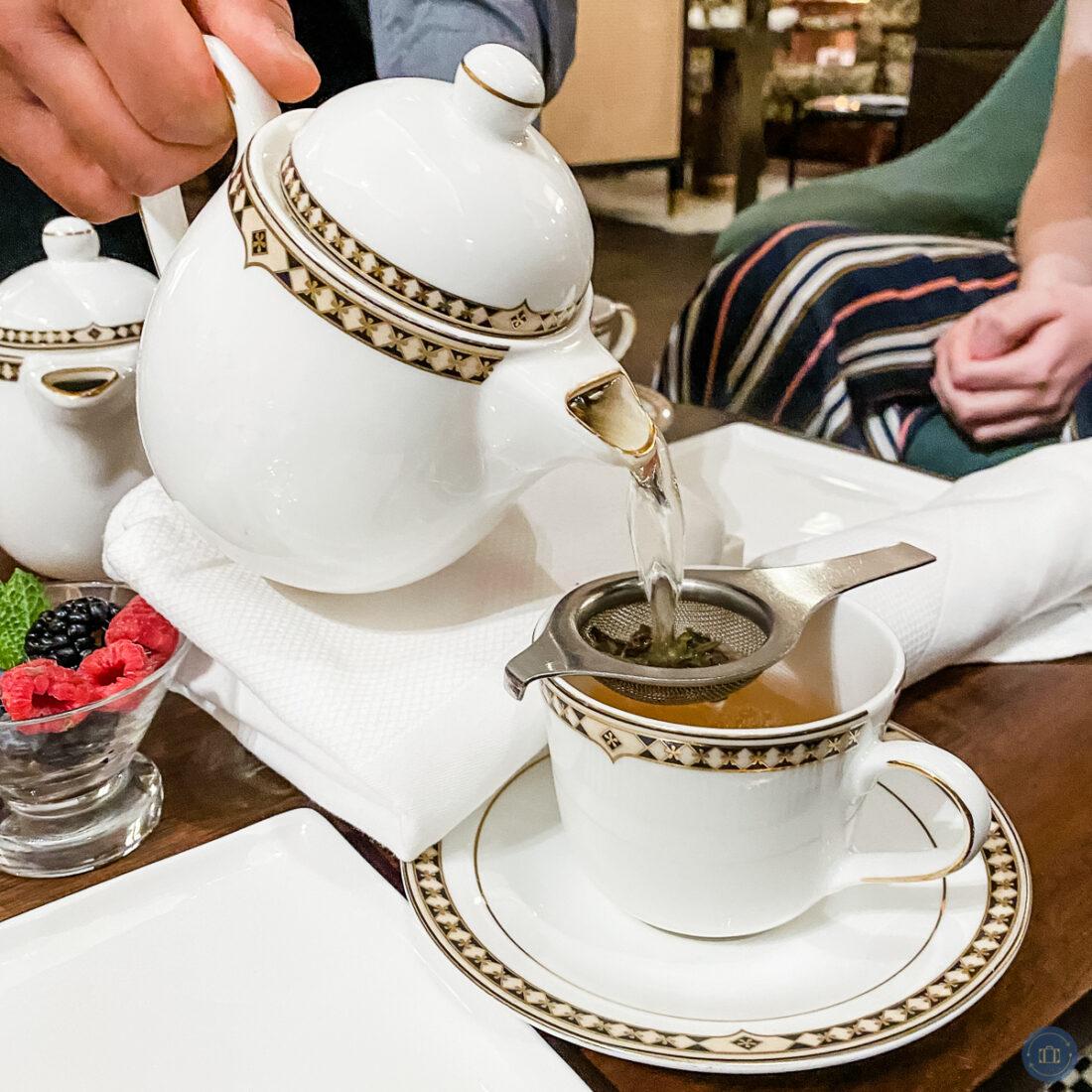 tea pot pouring tea at fairmont high tea